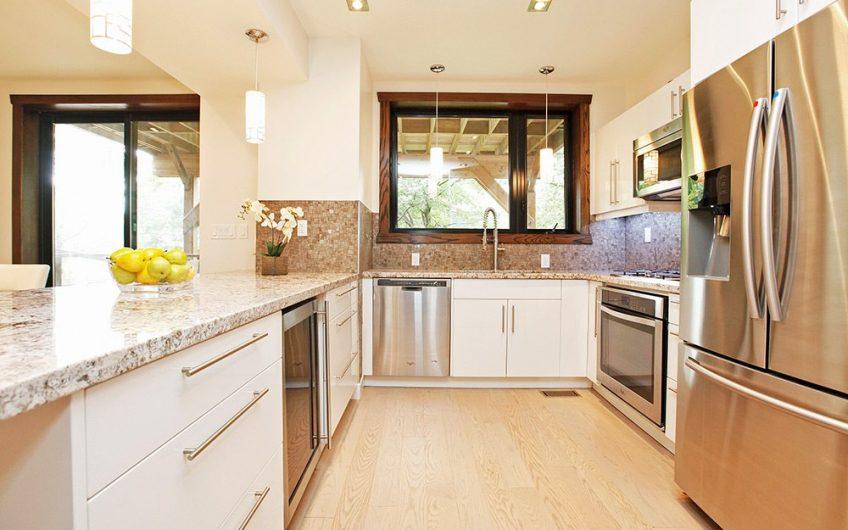 122 Mavety Kitchen