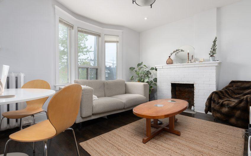 1133 Dufferin St 2nd Floor Living
